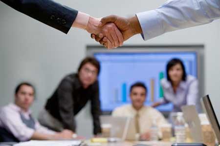 两大收购活动巩固了本地托管和数据中心市场